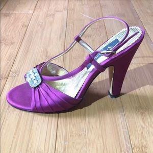 Nina strappy rhinestone heels fuchsia 7M